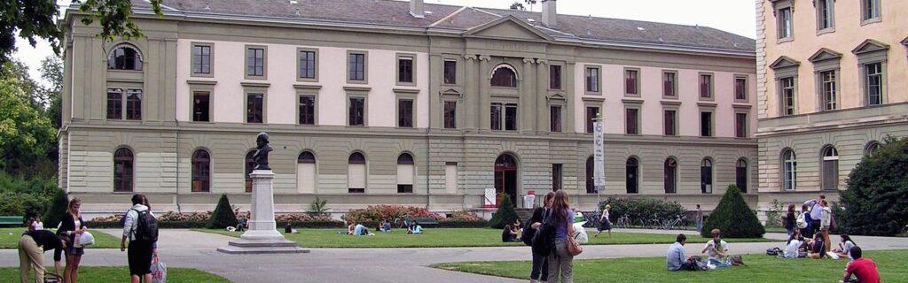 Promenade des Bastions 1, Genève. Bibliothèque de Genève (Bibliothèque publique et universitaire jusqu'en 2006). Vue du parc des Bastions.