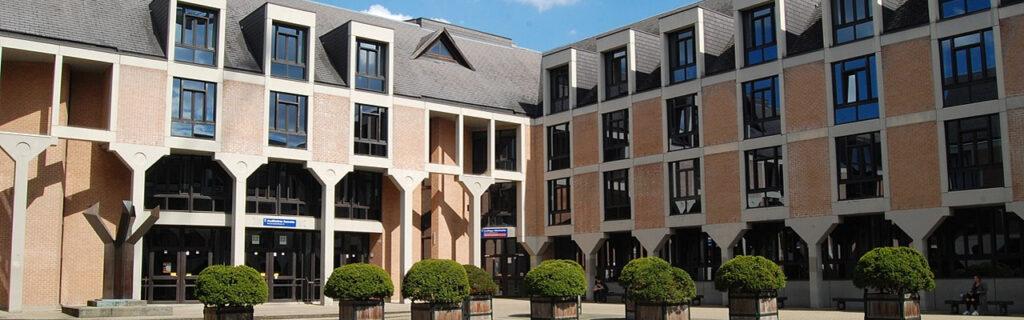 Louvain-la-Neuve - Place Cardinal Mercier